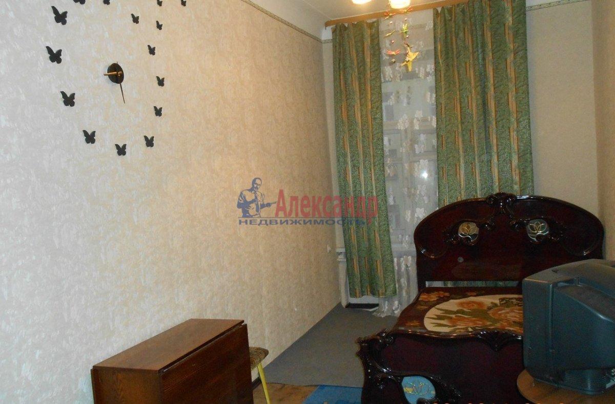 1-комнатная квартира (40м2) в аренду по адресу Петрозаводская ул., 13— фото 3 из 7