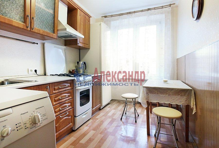 2-комнатная квартира (67м2) в аренду по адресу Мира ул., 24— фото 8 из 8