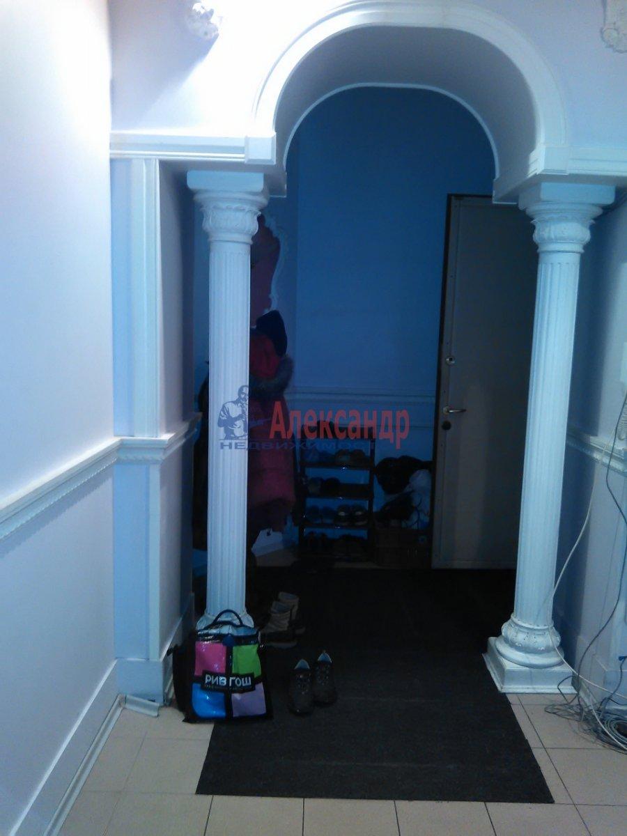 Комната в 2-комнатной квартире (87м2) в аренду по адресу Средний В.О. пр., 33— фото 6 из 8