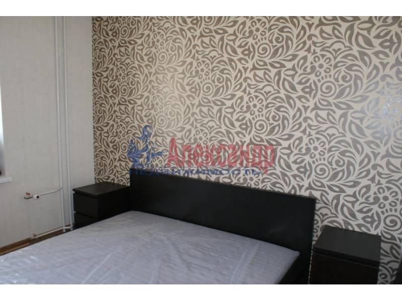 1-комнатная квартира (44м2) в аренду по адресу Пулковская ул., 8— фото 2 из 20