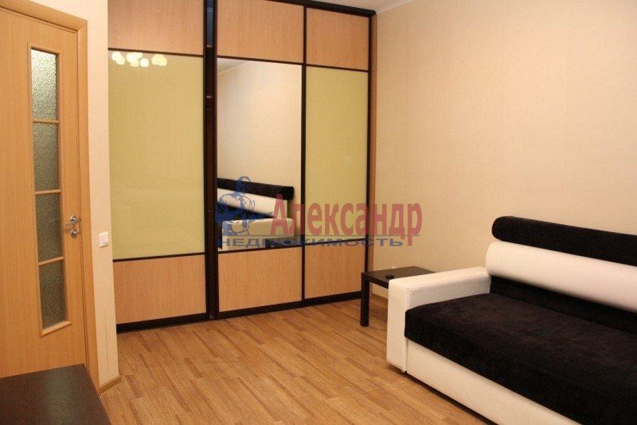 1-комнатная квартира (40м2) в аренду по адресу Антонова-Овсеенко ул., 5— фото 2 из 5