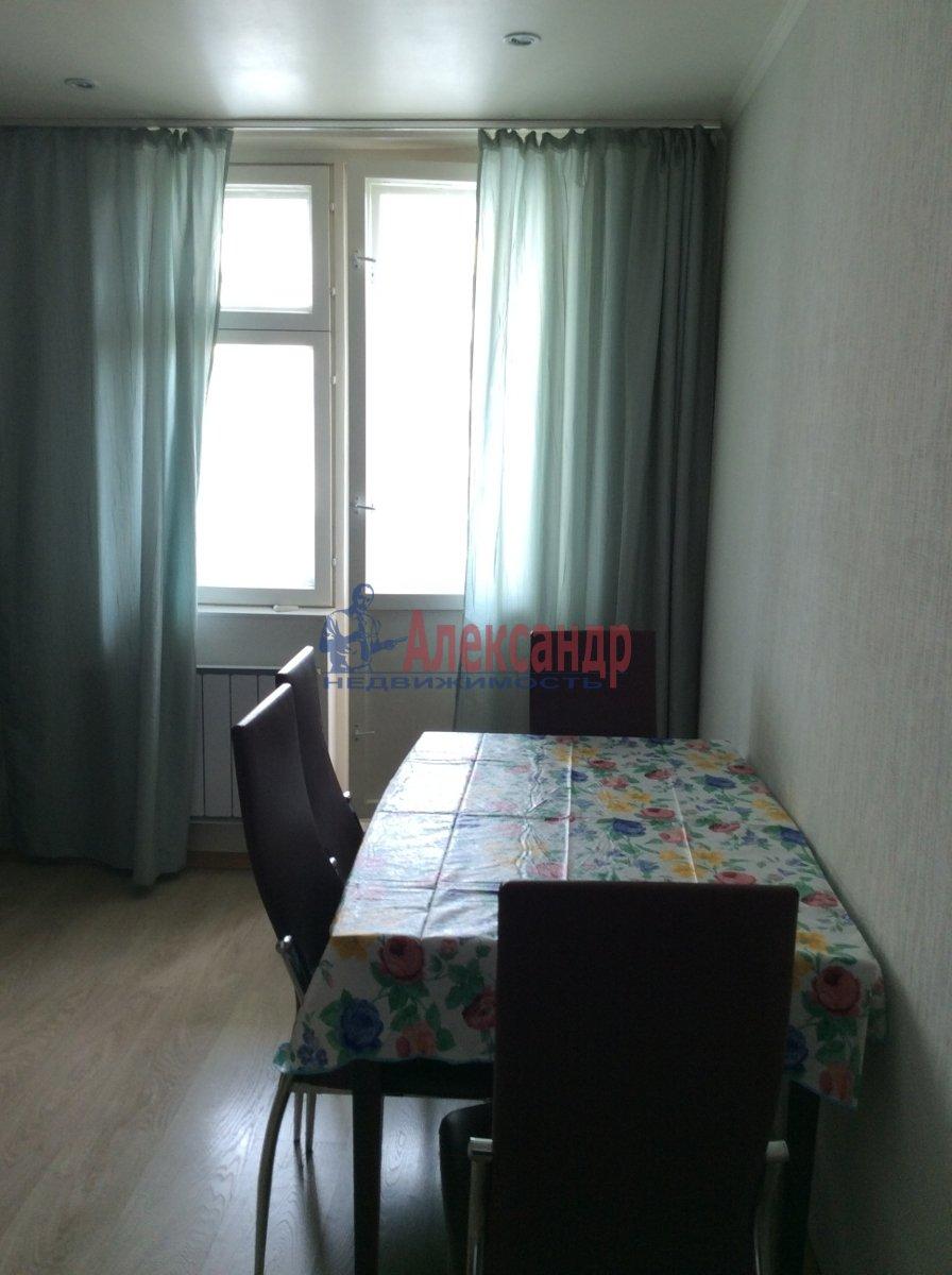 1-комнатная квартира (39м2) в аренду по адресу Карпинского ул., 33— фото 4 из 7