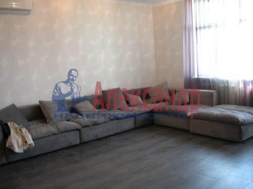 2-комнатная квартира (80м2) в аренду по адресу Коломяжский пр., 26— фото 9 из 10