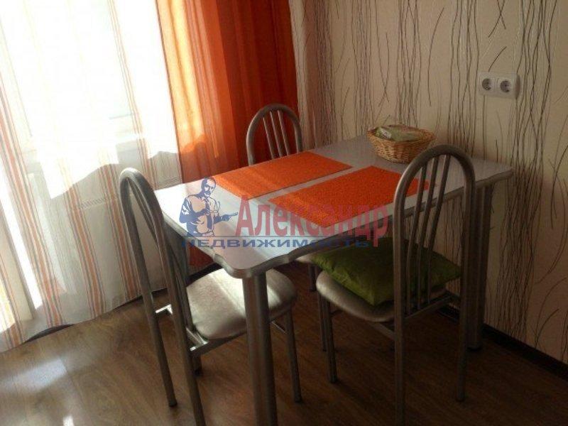 2-комнатная квартира (60м2) в аренду по адресу Энгельса пр., 139— фото 2 из 3