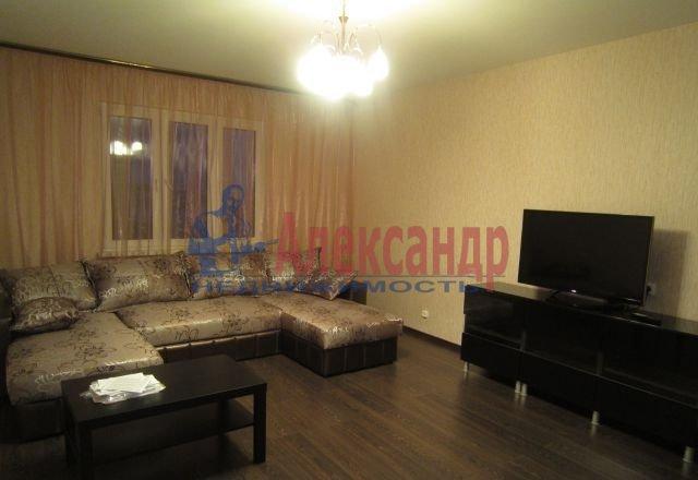 2-комнатная квартира (60м2) в аренду по адресу Ярослава Гашека ул., 24— фото 3 из 5
