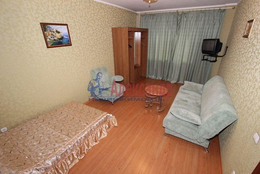 2-комнатная квартира (48м2) в аренду по адресу 12 линия В.О., 19— фото 1 из 3