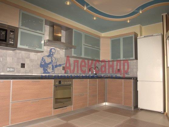 2-комнатная квартира (70м2) в аренду по адресу Новаторов бул., 67— фото 3 из 6