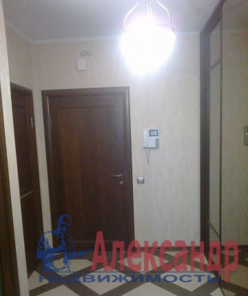 2-комнатная квартира (65м2) в аренду по адресу Бутлерова ул., 20— фото 3 из 3