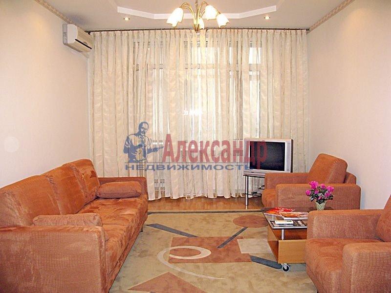 2-комнатная квартира (65м2) в аренду по адресу Композиторов ул., 4— фото 1 из 1