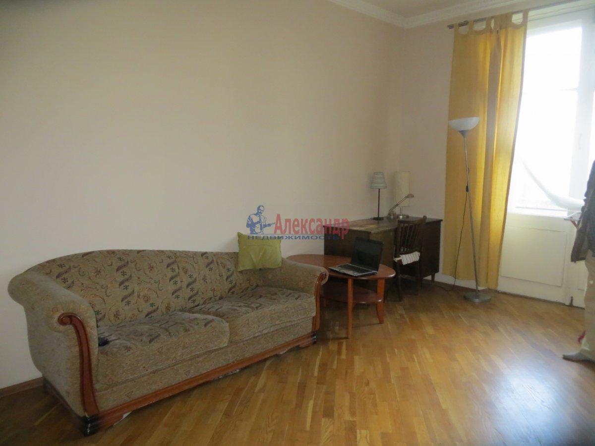 1-комнатная квартира (40м2) в аренду по адресу Диагональная ул., 10— фото 2 из 3