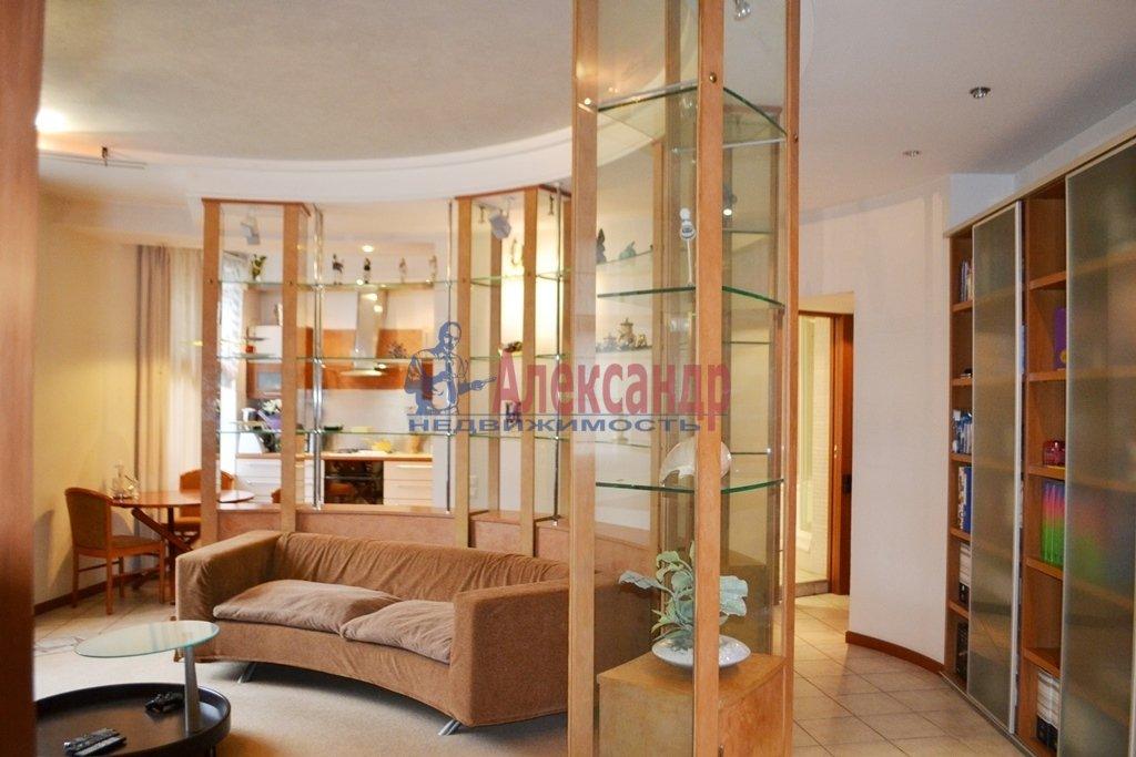 3-комнатная квартира (93м2) в аренду по адресу Суворовский пр., 62— фото 1 из 14
