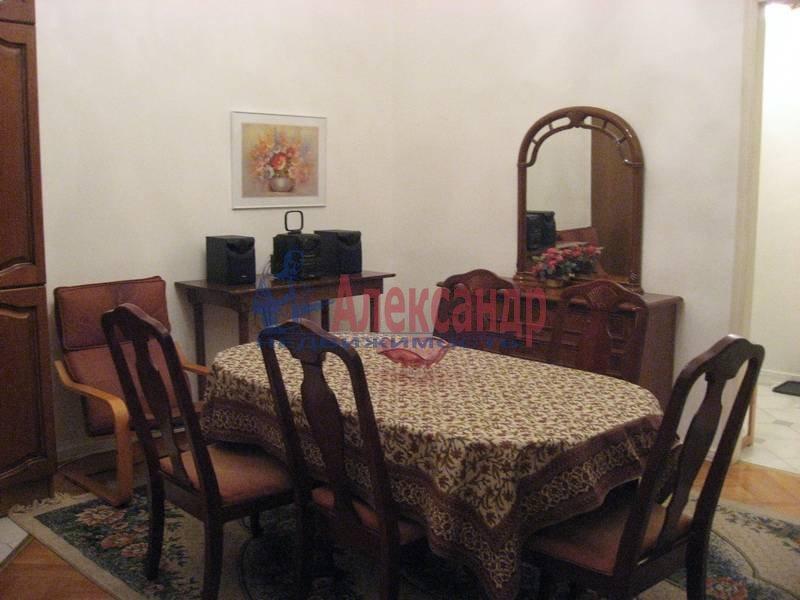 4-комнатная квартира (160м2) в аренду по адресу Рубинштейна ул., 3— фото 1 из 23