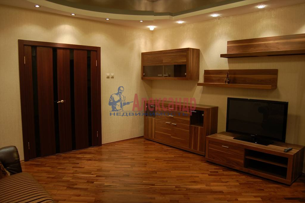 2-комнатная квартира (75м2) в аренду по адресу Нейшлотский пер., 11— фото 4 из 12