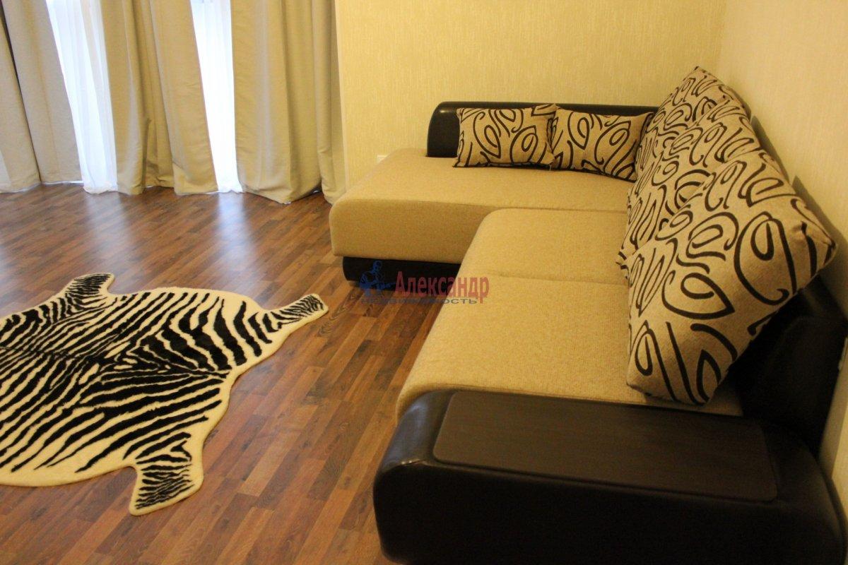 2-комнатная квартира (54м2) в аренду по адресу Пулковское шос., 20— фото 1 из 7