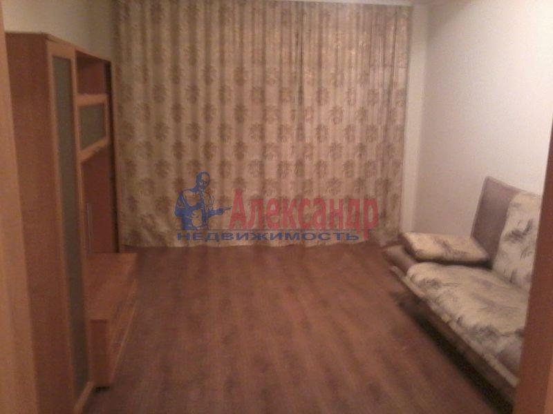 Комната в 3-комнатной квартире (100м2) в аренду по адресу Правды ул., 12— фото 1 из 2