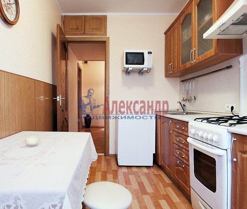 2-комнатная квартира (67м2) в аренду по адресу Мира ул., 24— фото 2 из 8