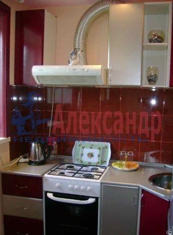 Комната в 3-комнатной квартире (60м2) в аренду по адресу Хлопина ул., 7— фото 2 из 3