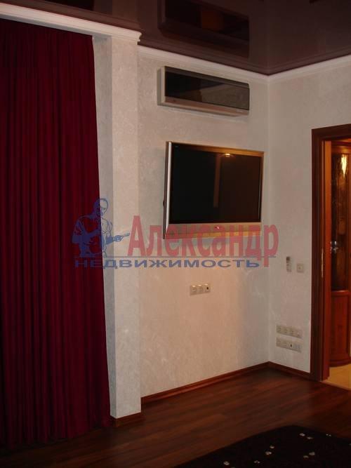2-комнатная квартира (80м2) в аренду по адресу Кременчугская ул., 11— фото 6 из 9
