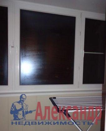 2-комнатная квартира (58м2) в аренду по адресу Бутлерова ул., 9— фото 2 из 4