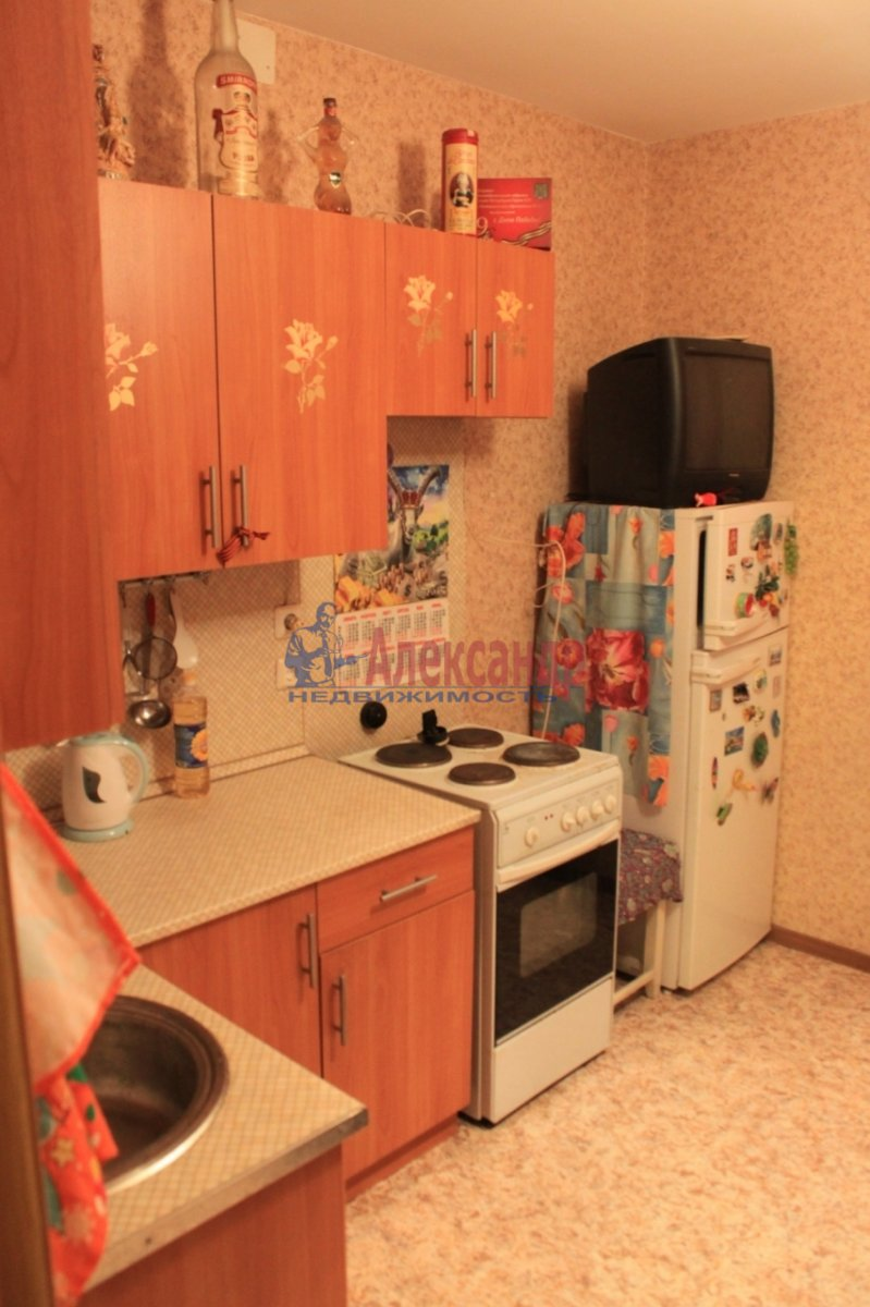 1-комнатная квартира (38м2) в аренду по адресу Народная ул., 53— фото 2 из 7