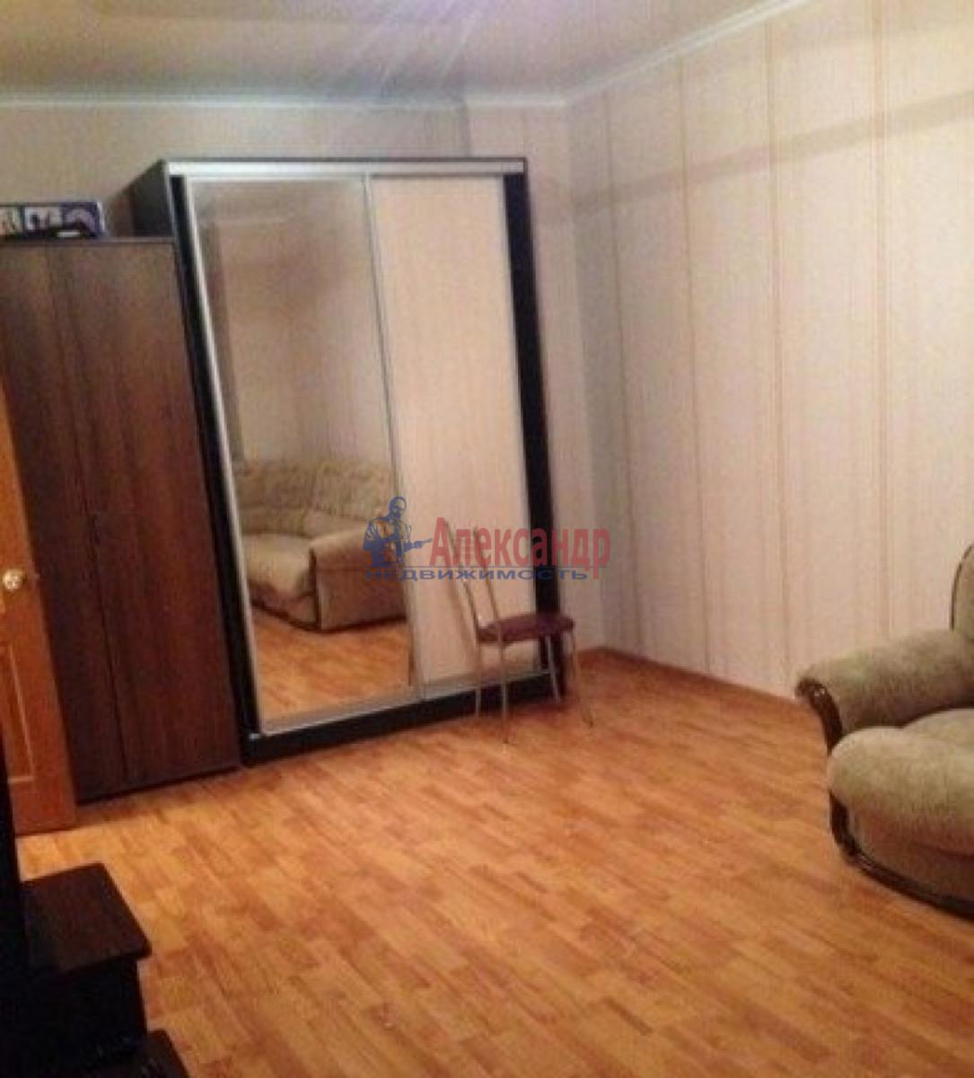 1-комнатная квартира (35м2) в аренду по адресу Старо-Петергофский пр., 28— фото 2 из 5