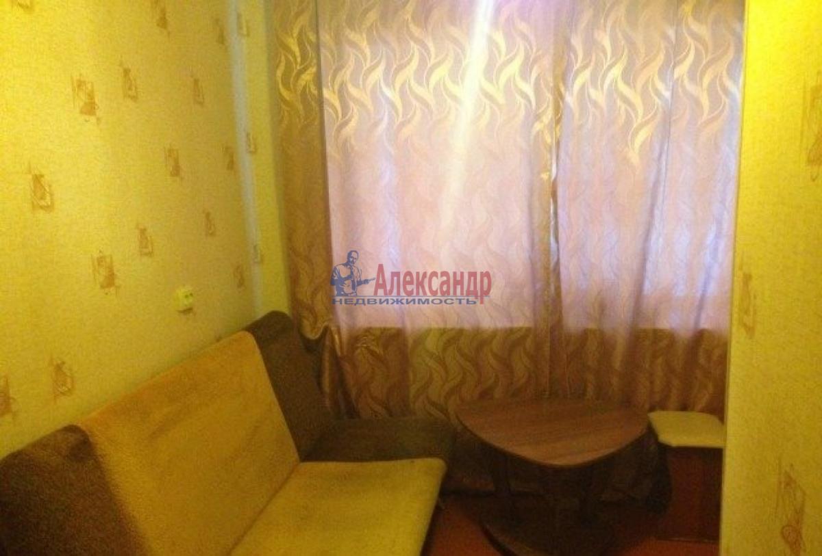 Комната в 3-комнатной квартире (44м2) в аренду по адресу Орджоникидзе ул., 15— фото 1 из 3