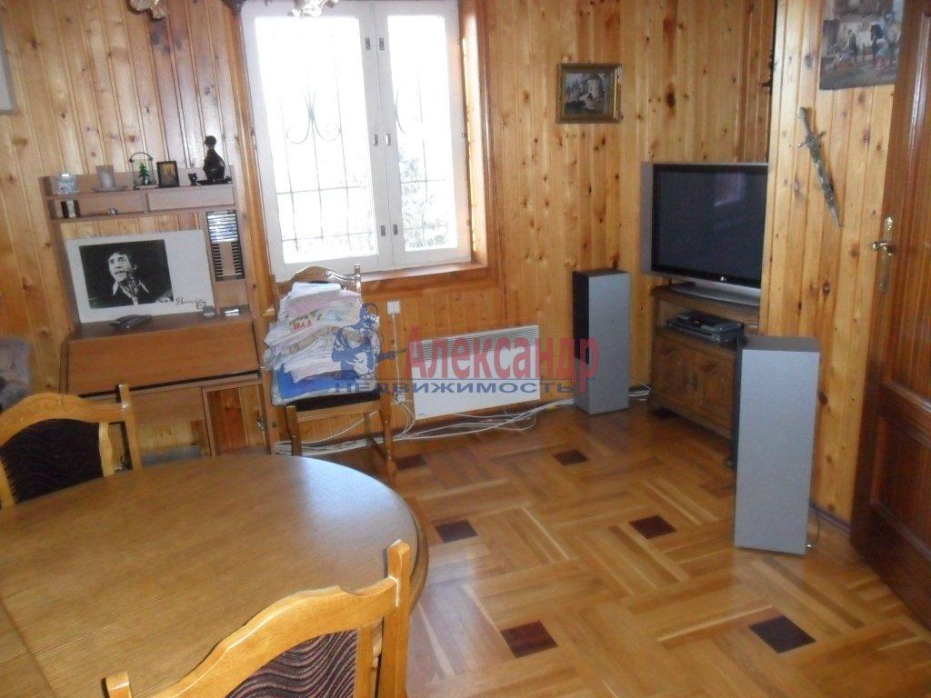 Дом (200м2) в аренду — фото 1 из 13