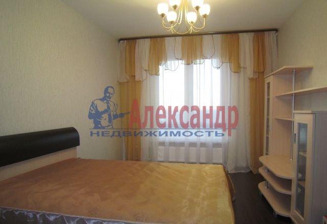 2-комнатная квартира (60м2) в аренду по адресу Ярослава Гашека ул., 24— фото 1 из 5