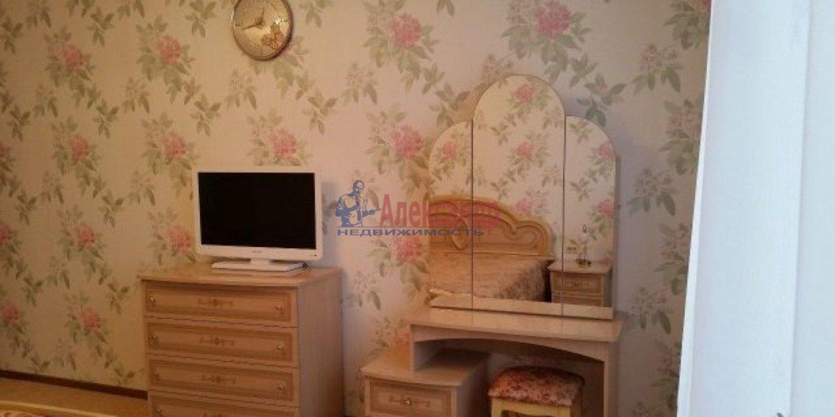 3-комнатная квартира (100м2) в аренду по адресу Богатырский пр., 59— фото 4 из 13