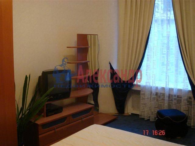 2-комнатная квартира (70м2) в аренду по адресу Каменноостровский пр., 35/75— фото 7 из 9