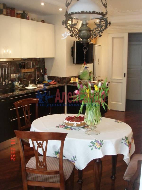 2-комнатная квартира (71м2) в аренду по адресу Морская наб., 21— фото 3 из 6