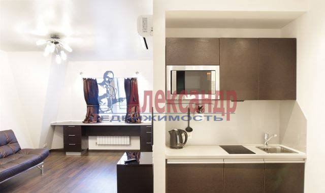 2-комнатная квартира (60м2) в аренду по адресу Комсомола ул., 14— фото 4 из 8