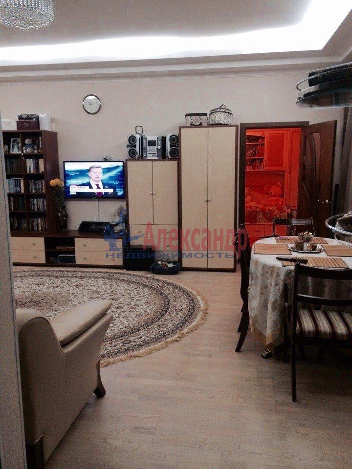 3-комнатная квартира (80м2) в аренду по адресу Кирочная ул., 22— фото 3 из 15
