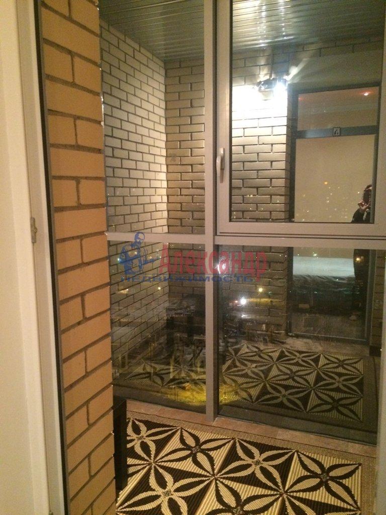 2-комнатная квартира (72м2) в аренду по адресу Просвещения просп., 99— фото 7 из 13