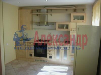 1-комнатная квартира (47м2) в аренду по адресу Мира ул., 10— фото 2 из 3
