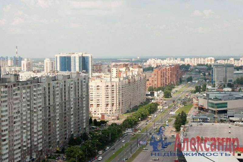2-комнатная квартира (64м2) в аренду по адресу Коломяжский пр., 15— фото 1 из 6