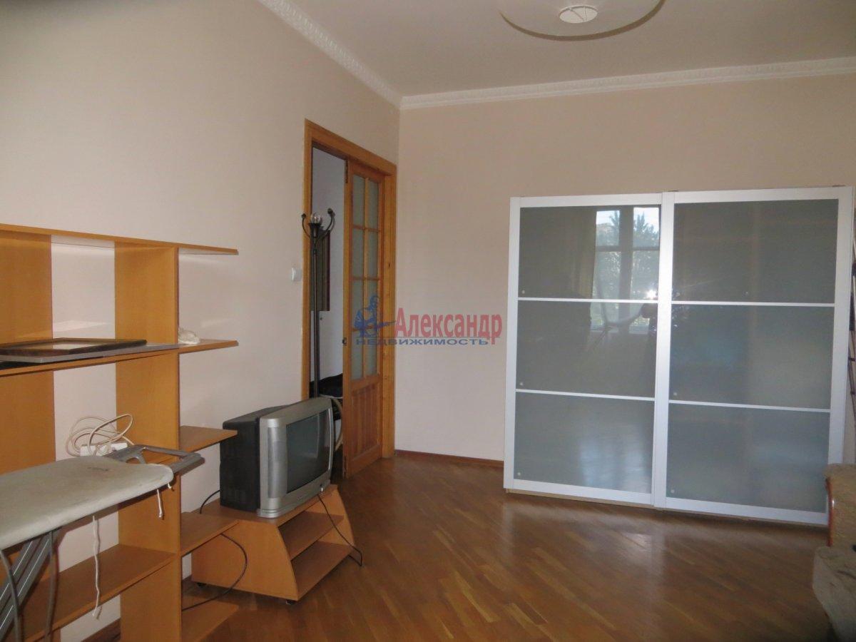 1-комнатная квартира (40м2) в аренду по адресу Диагональная ул., 10— фото 3 из 3