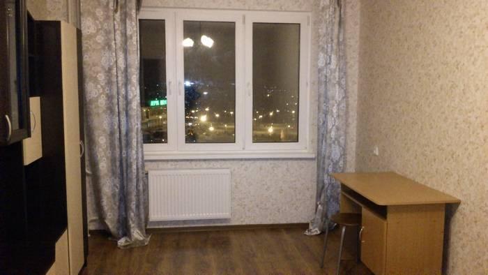 3-комнатная квартира (63м2) в аренду по адресу Коллонтай ул., 4— фото 1 из 14