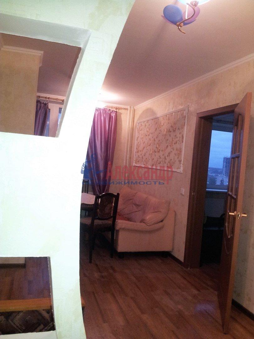 2-комнатная квартира (46м2) в аренду по адресу Шелгунова ул., 7— фото 5 из 16