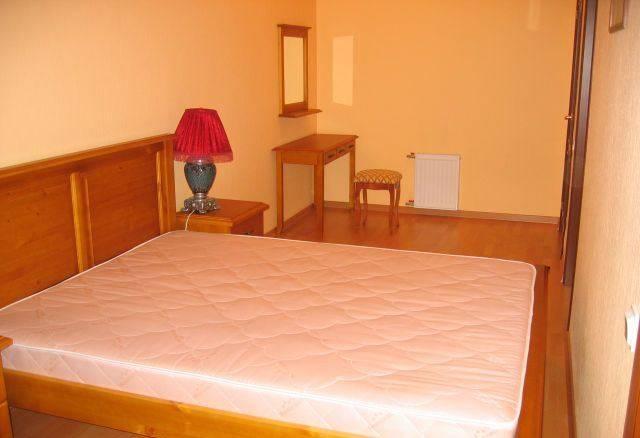 3-комнатная квартира (65м2) в аренду по адресу Ефимова ул., 5— фото 2 из 5