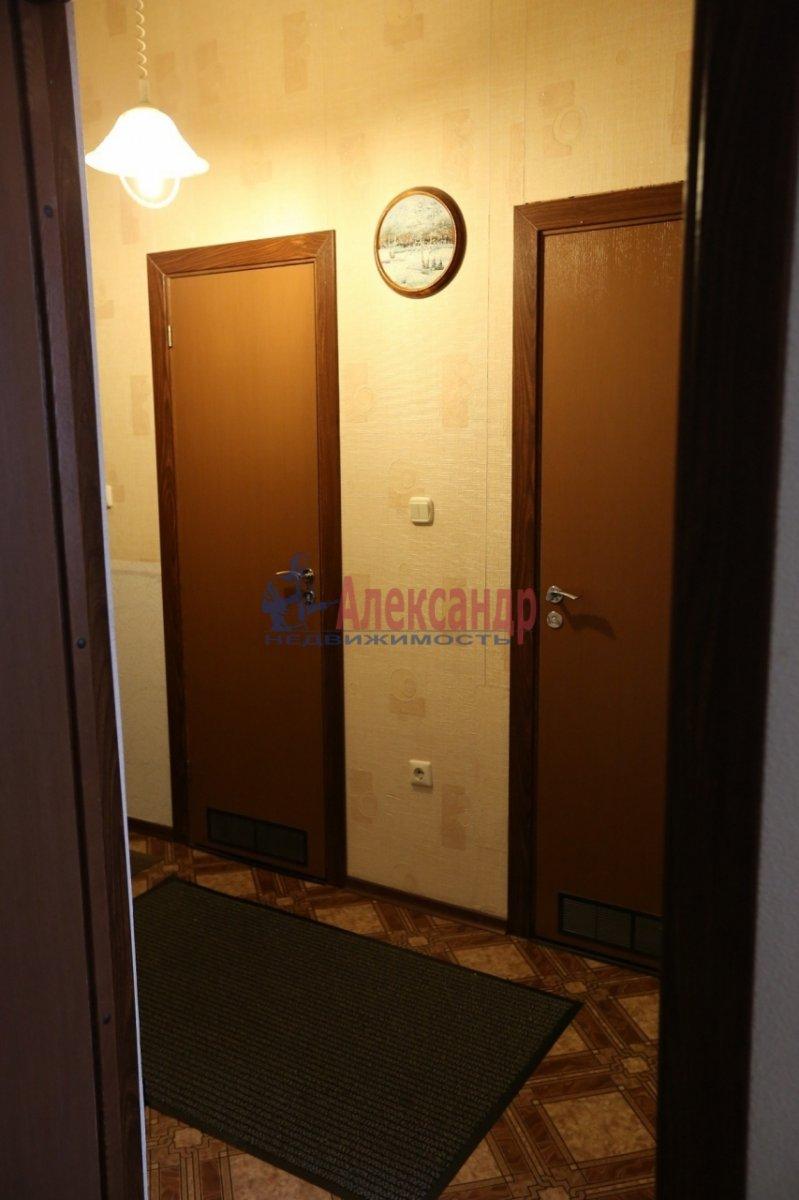 1-комнатная квартира (46м2) в аренду по адресу Галстяна ул., 1— фото 8 из 8