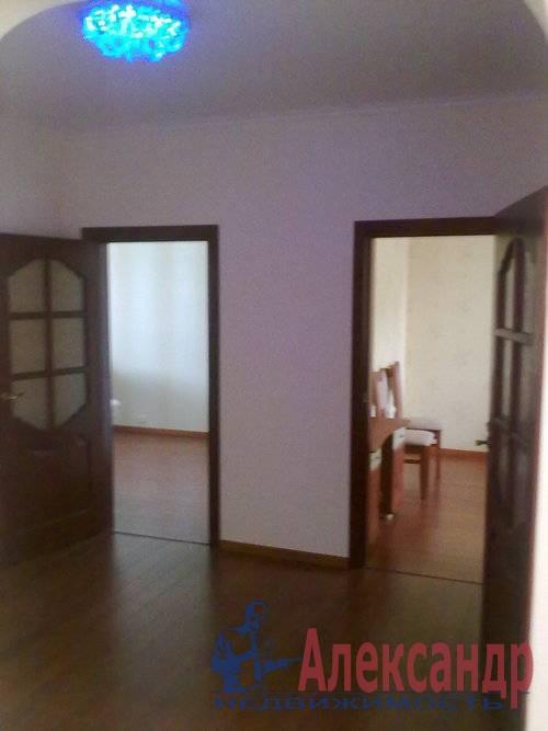 3-комнатная квартира (83м2) в аренду по адресу Пулковская ул., 17— фото 4 из 17