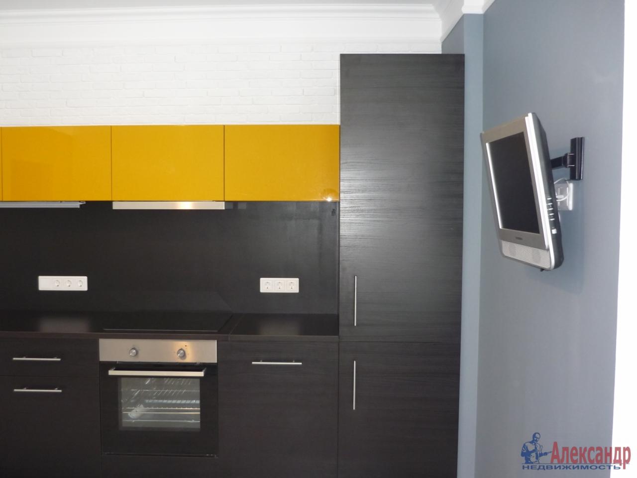 2-комнатная квартира (72м2) в аренду по адресу Кременчугская ул., 9— фото 2 из 17