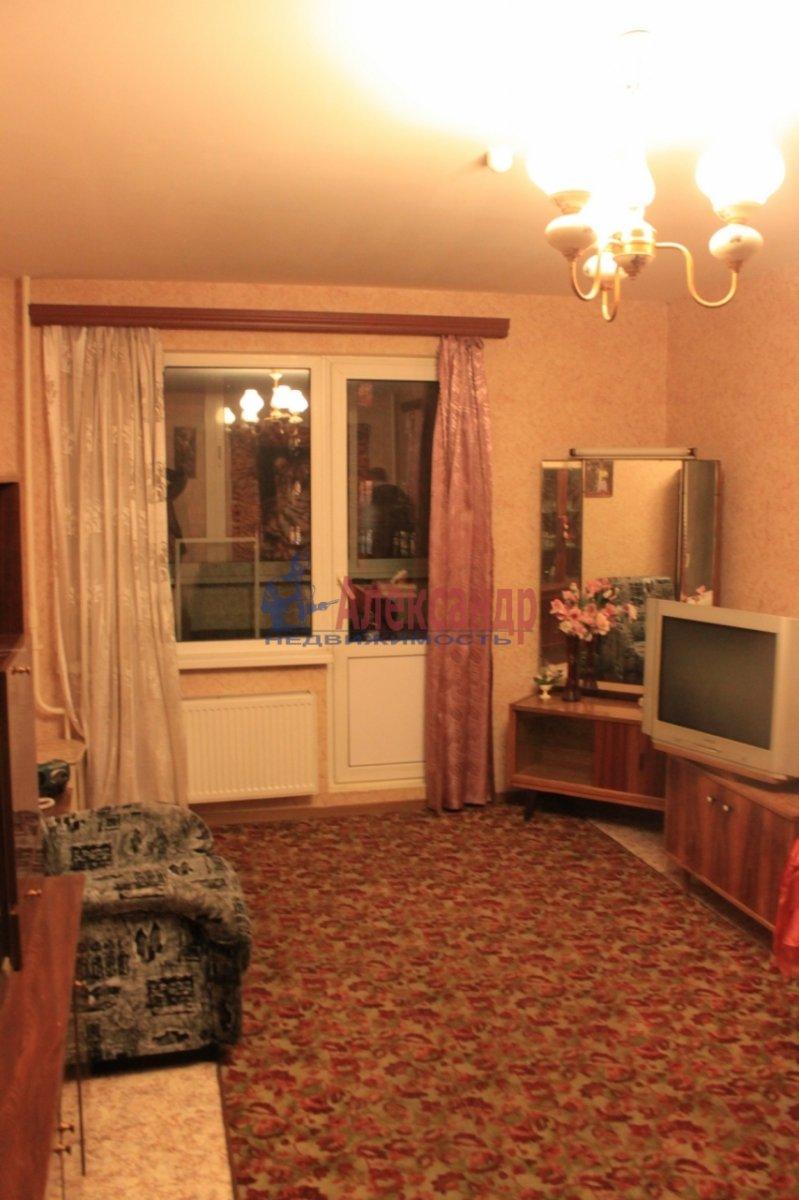 1-комнатная квартира (38м2) в аренду по адресу Народная ул., 53— фото 1 из 7