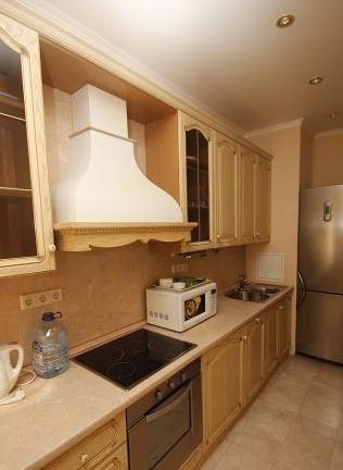 2-комнатная квартира (80м2) в аренду по адресу Галерный прд., 5— фото 2 из 3