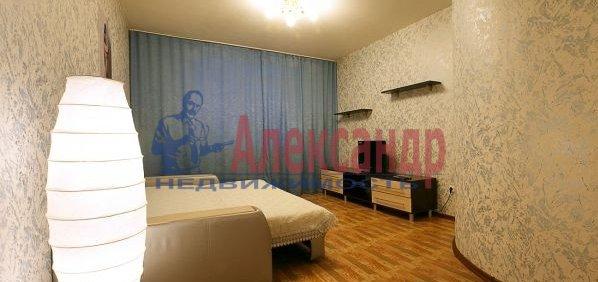 1-комнатная квартира (45м2) в аренду по адресу Счастливая ул., 14— фото 1 из 4