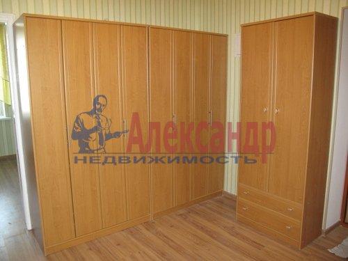 1-комнатная квартира (41м2) в аренду по адресу Коломяжский пр., 15— фото 2 из 5