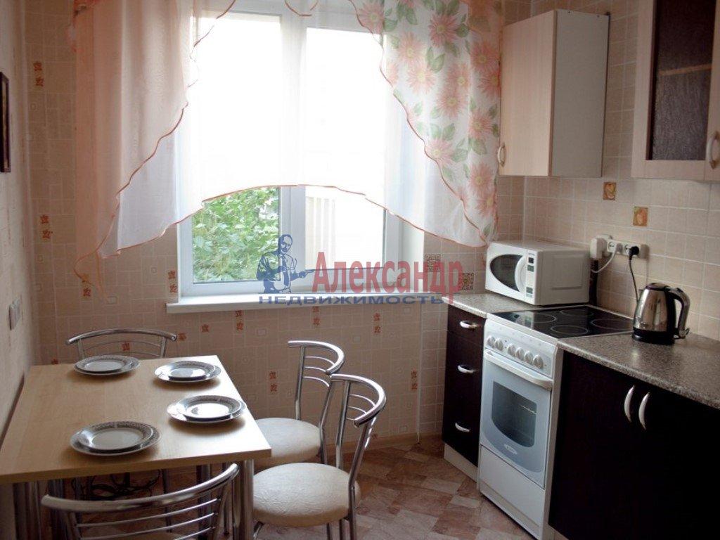 2-комнатная квартира (65м2) в аренду по адресу Просвещения пр., 99— фото 2 из 2