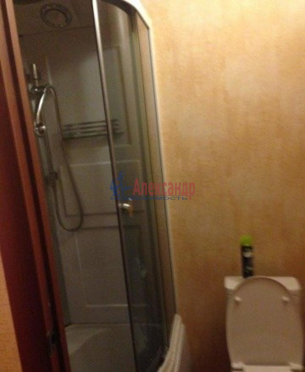 Комната в 3-комнатной квартире (44м2) в аренду по адресу Орджоникидзе ул., 15— фото 3 из 3
