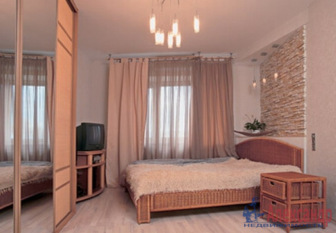 2-комнатная квартира (86м2) в аренду по адресу Московский просп., 172— фото 2 из 3